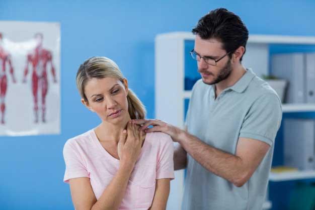 فیزیوتراپی گردن برای درمان گردن درد